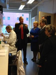 Peter Lindblad berättar om aktuell forskning på Ångströmlaboratoriet.