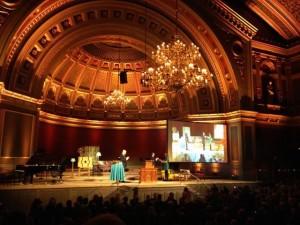Årets Uppsalastudent 2013 är Kajsa Asplund. Hon mottog stipendiet vid Anders Wall-föreläsningen i Universitetsaulan. Prins Daniel var med på ceremonin.